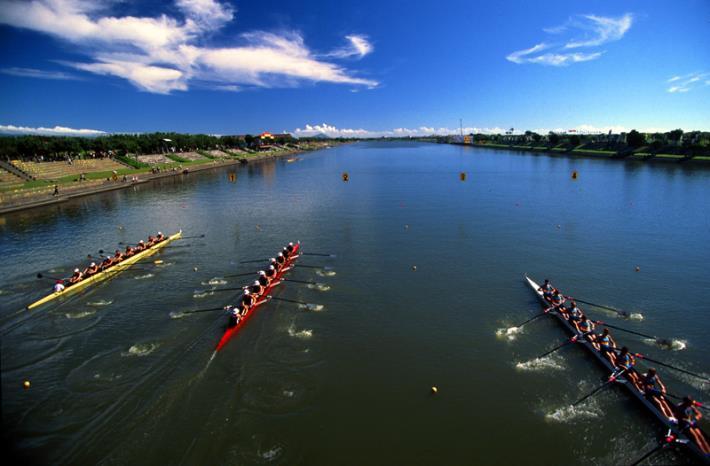 國際名校西式划舟