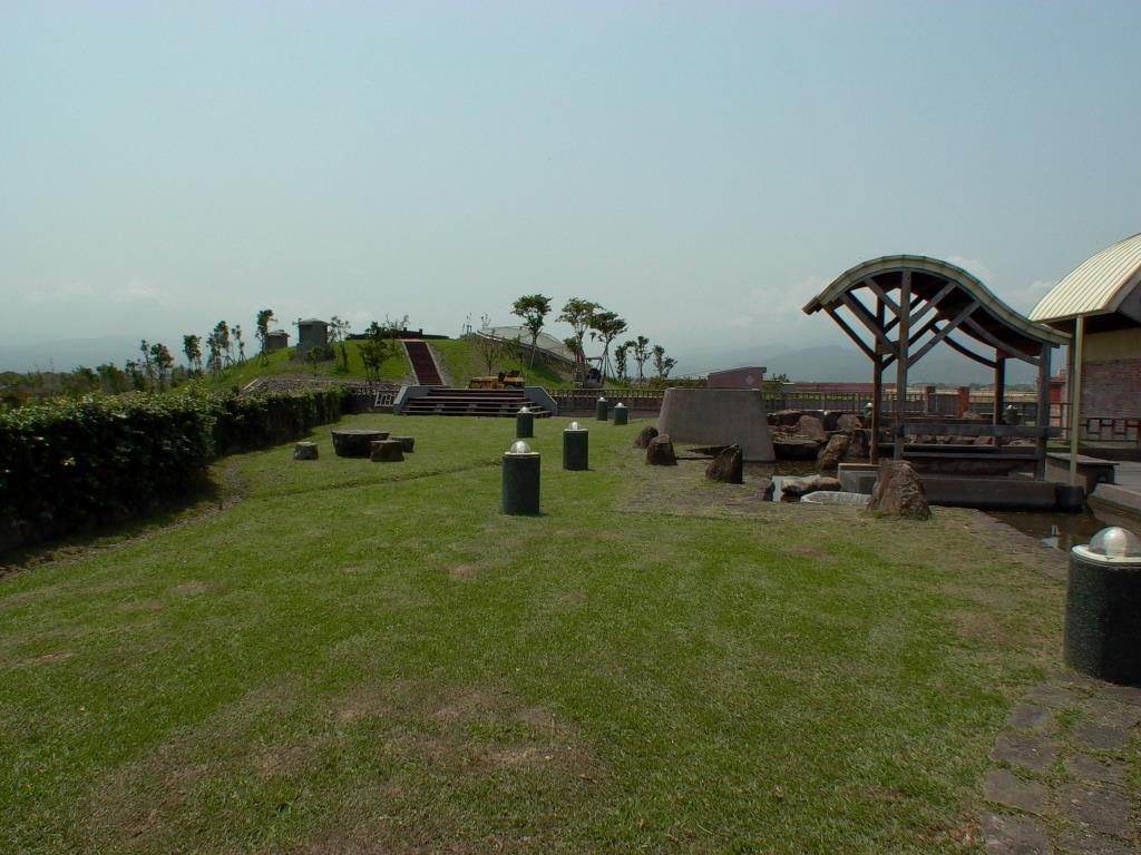 屋頂覆土來自原有地表