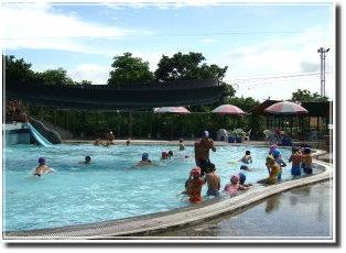 頭城鎮立游泳池