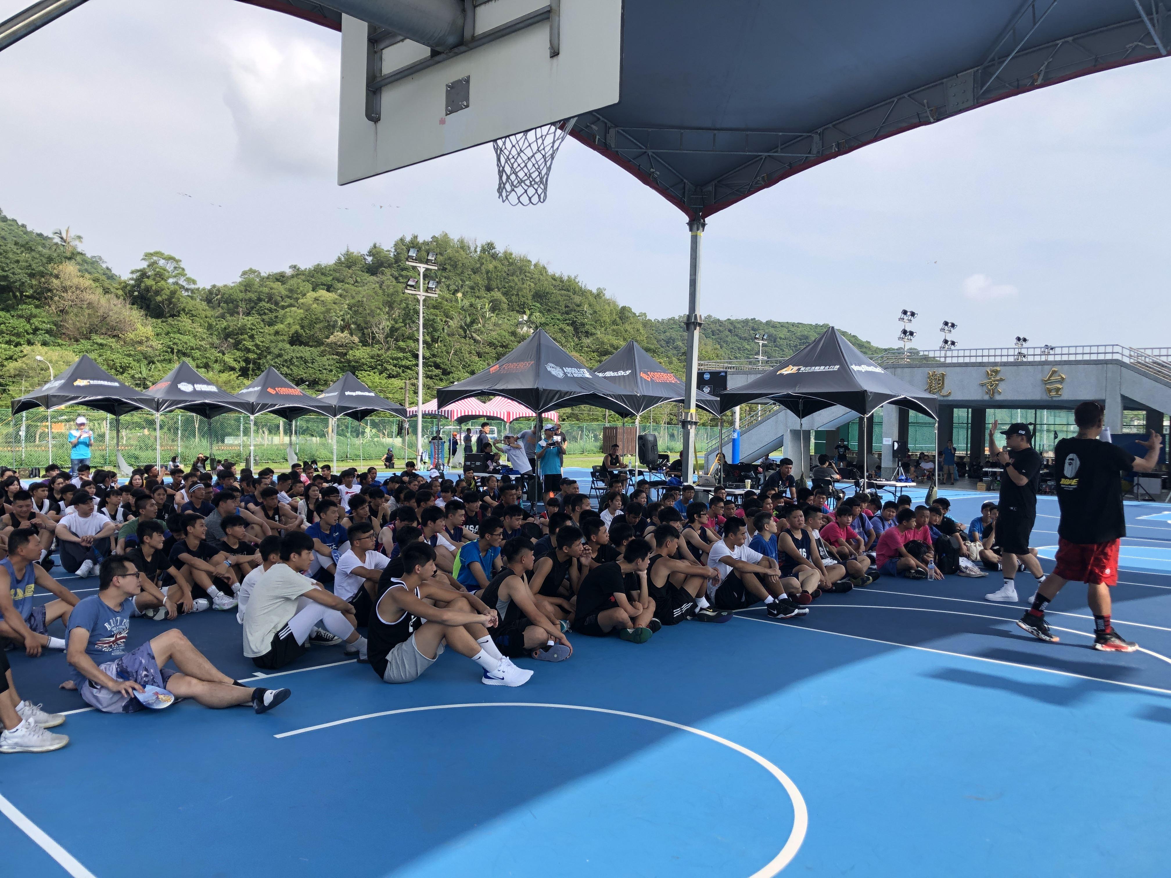 全國唯一東京奧運籃球賽A級國際裁判蘇宇燕老師執哨