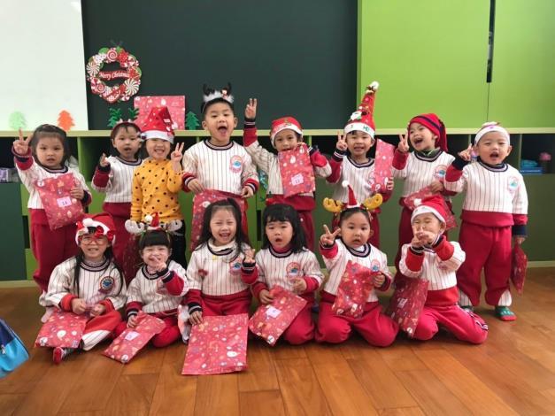 107聖誕節活動照片-旺旺狗聖誕照片4