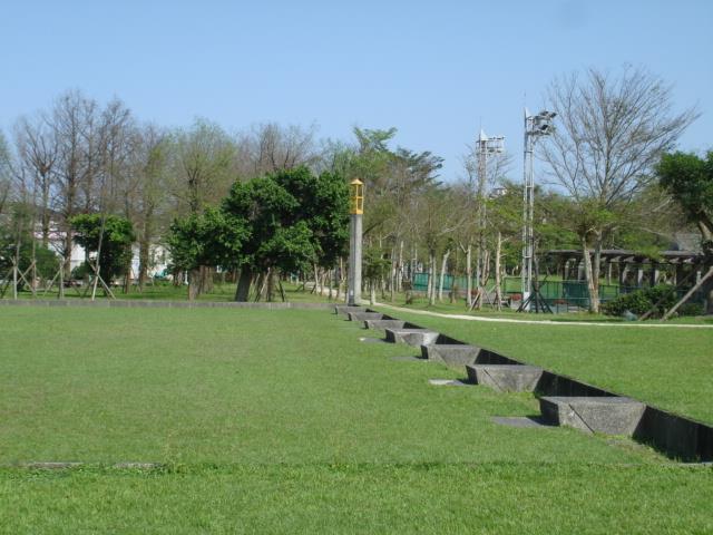 草地保齡球場圖
